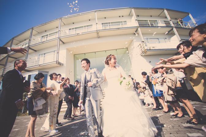明石海峡大橋で結婚式の写真撮影