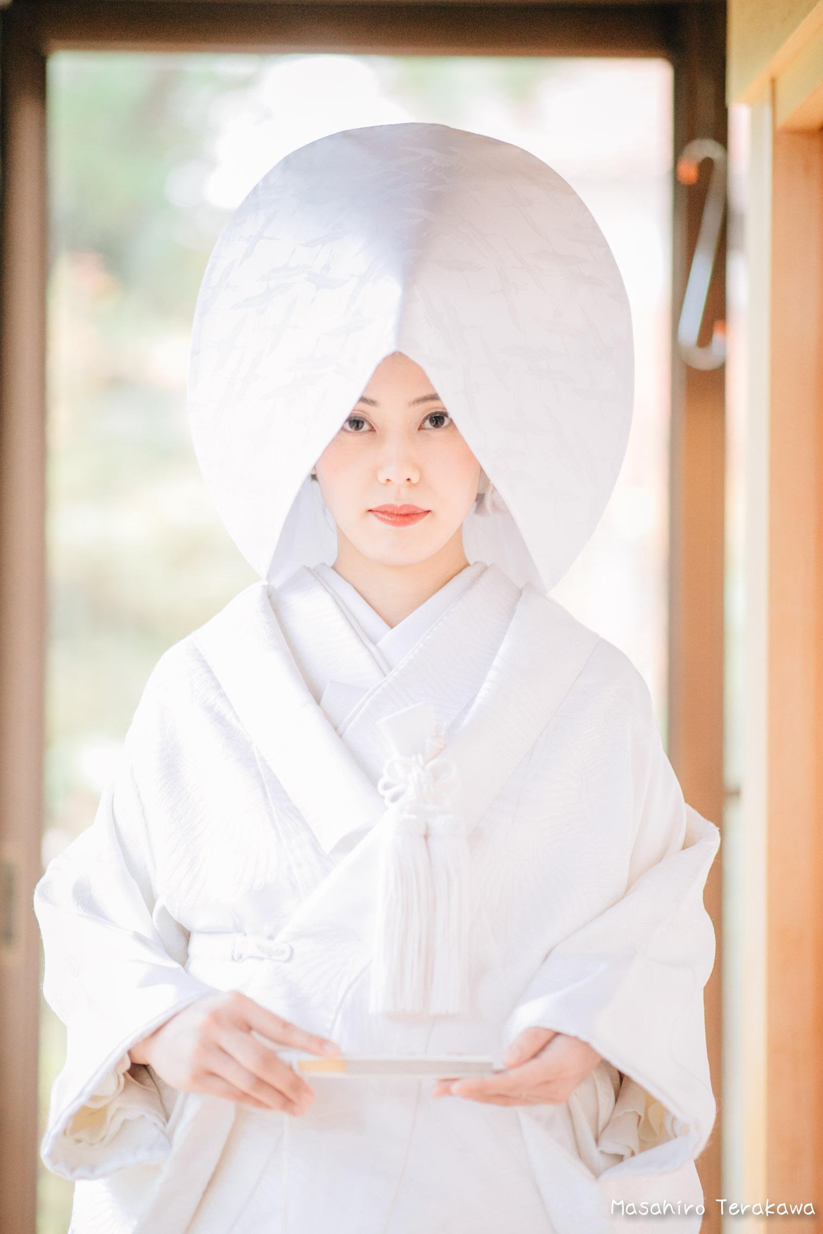 ご自宅(ご実家)で結婚式の和装前撮り(白無垢・綿帽子)8