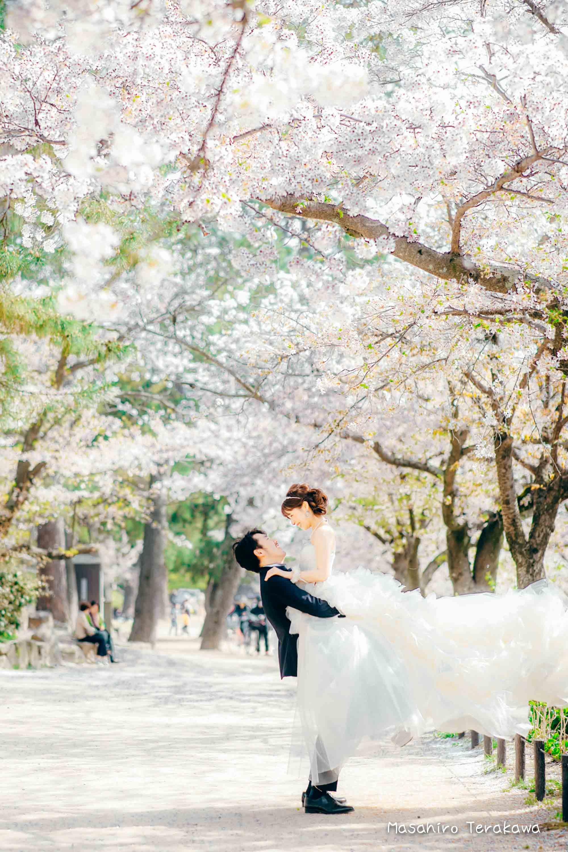 トリートドレッシングのウェディングドレスで結婚式前撮り1