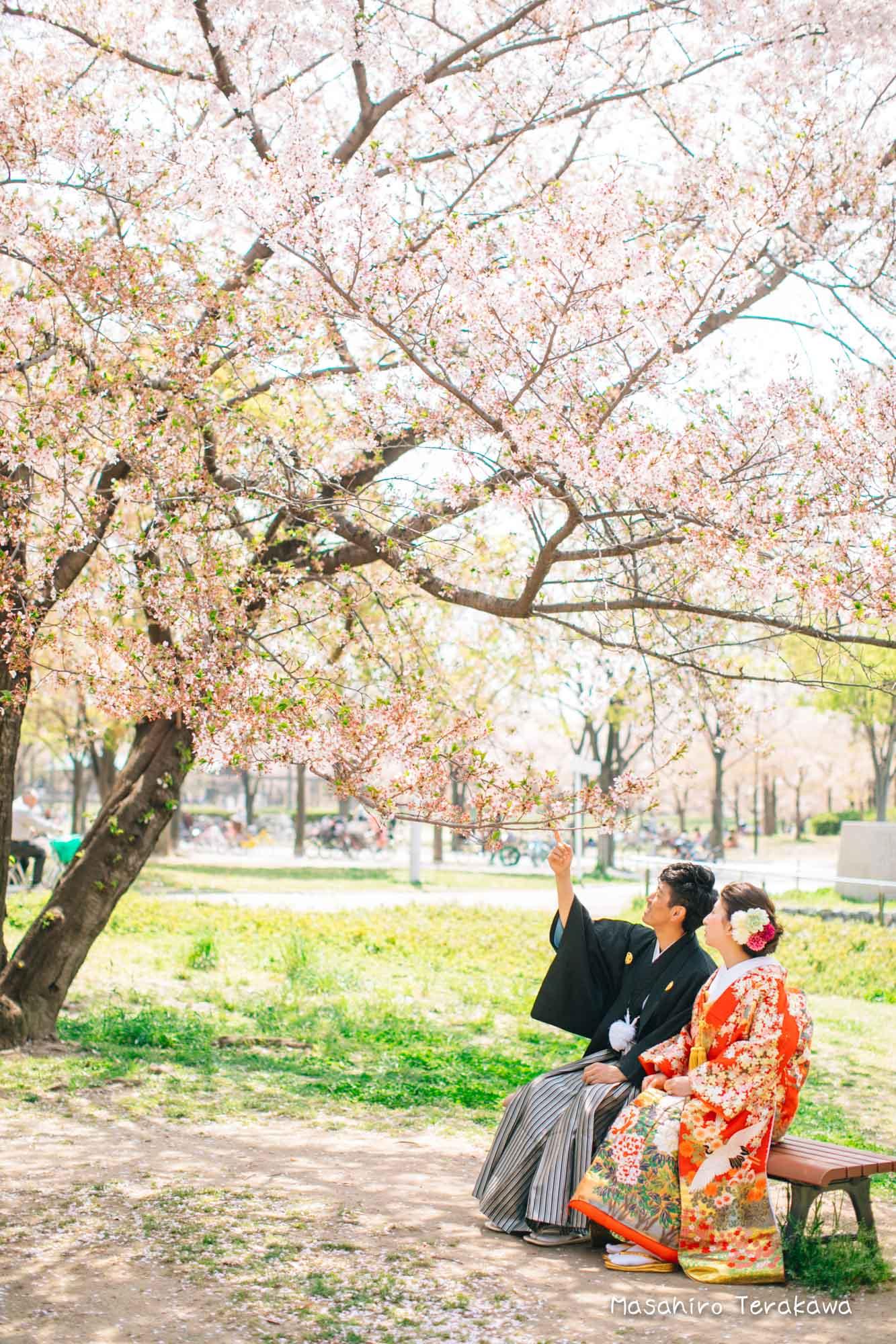 【大阪】鶴見緑地公園で結婚式の和装・洋装前撮り5
