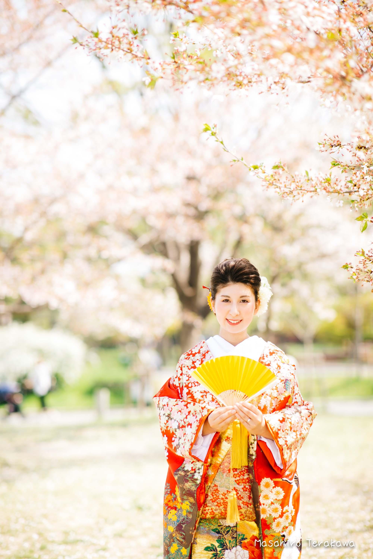 【大阪】鶴見緑地公園で結婚式の和装・洋装前撮り2